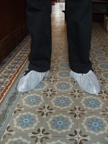 Pieds clandestins chez Magritte.JPG
