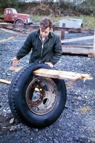 alaskaquake_tire4780.jpg