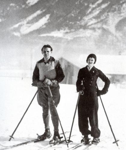 Elizabeth Craig et son moniteur de ski 1931.jpg