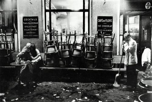 Café de Flore - Photo Denis Stock 1960.jpg
