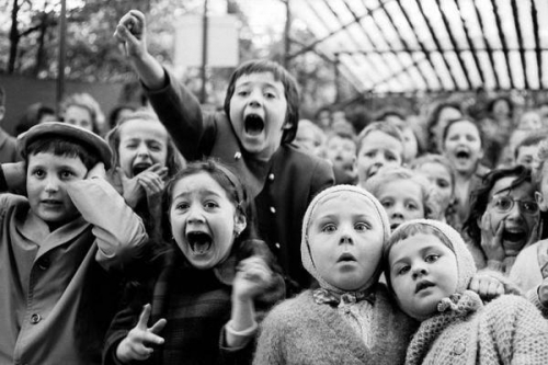 jeunesparisiensdevantspectacle marionnettes63.jpg