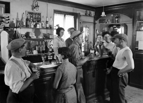 Le café des mariniers, 1932.jpg